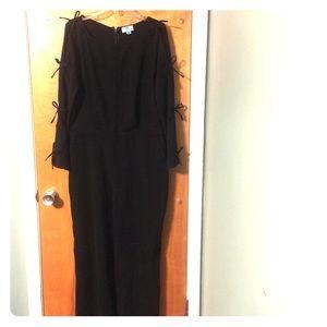 NWOT CeCe black keyhole sleeved jumpsuit